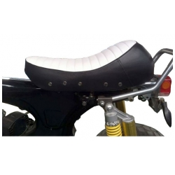 Seat Dax 2.5 / 3.5L cafe racer look black and white side